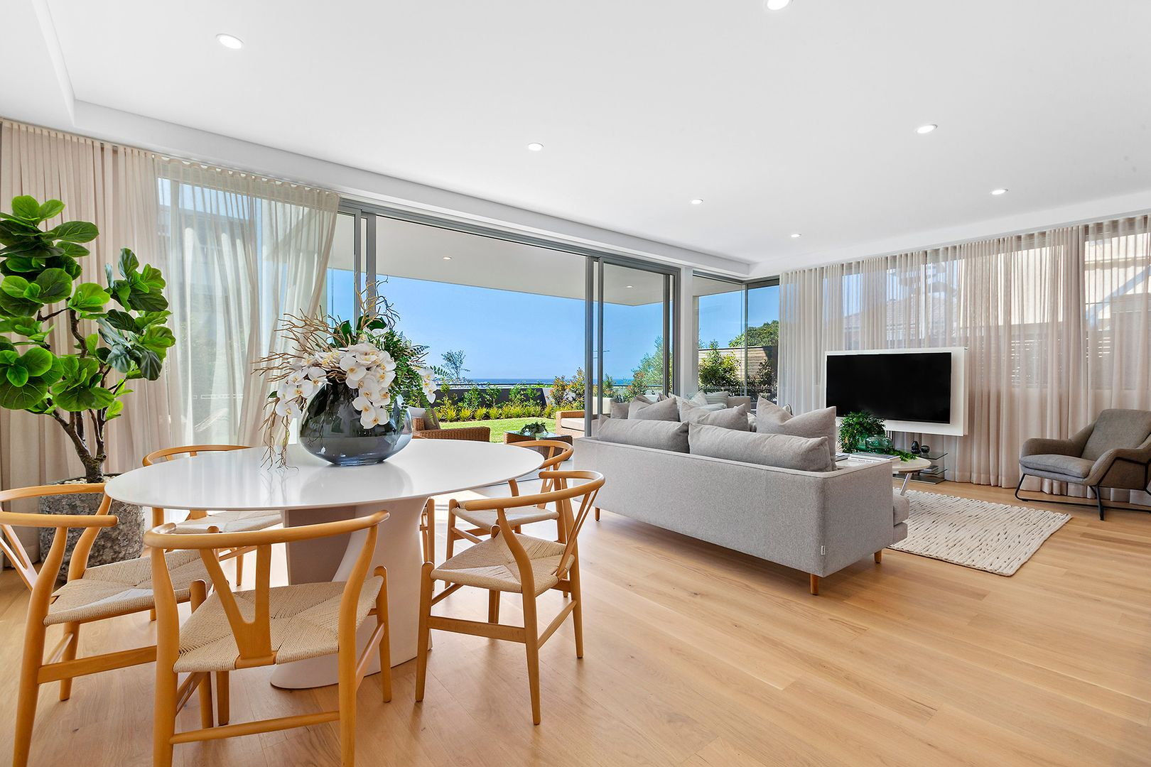 239 Oberon  Street, Coogee NSW 2034, Image 2