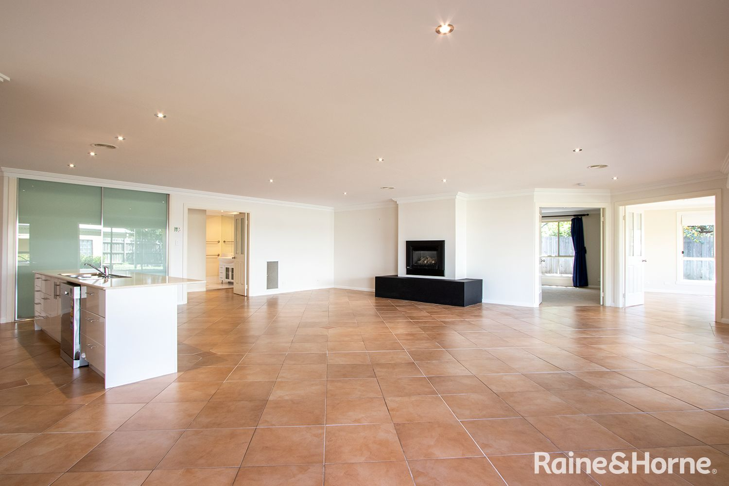 3 Huntingdale Close, Robin Hill NSW 2795, Image 2