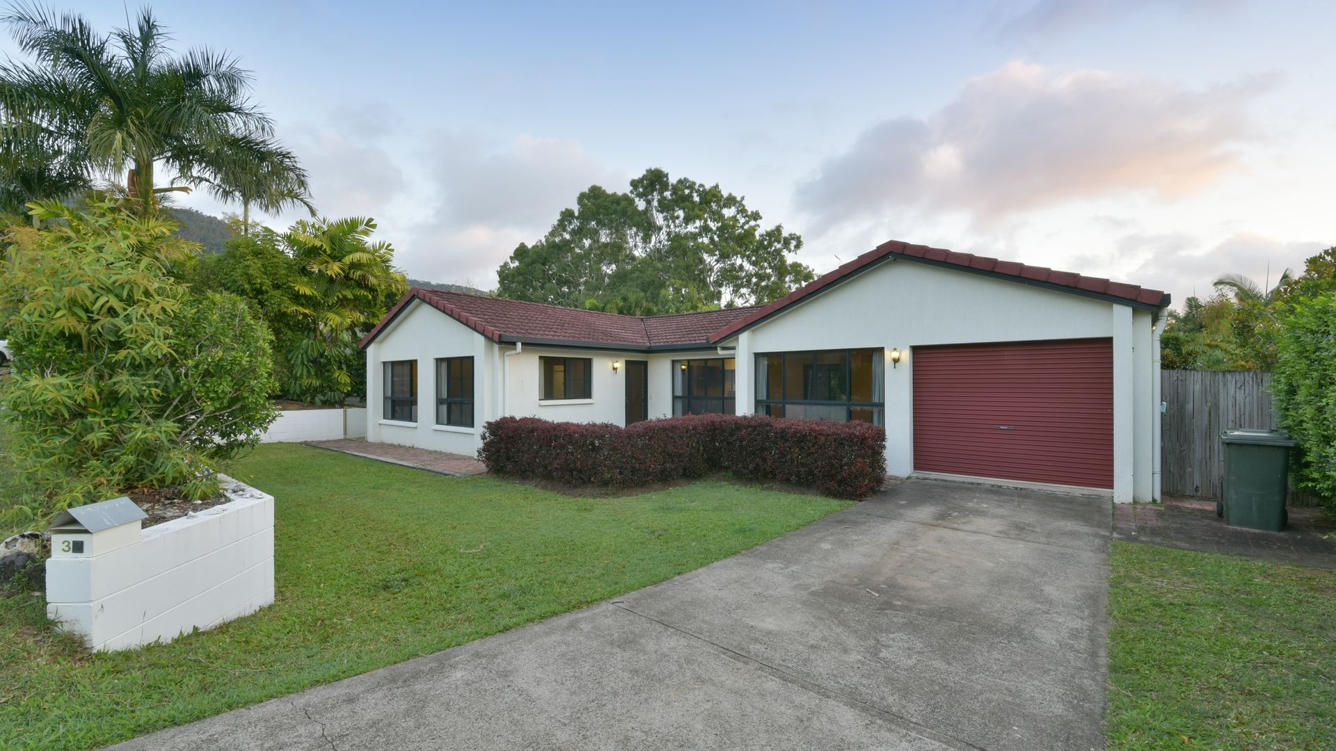 32 Valley Drive, Cannonvale QLD 4802, Image 2