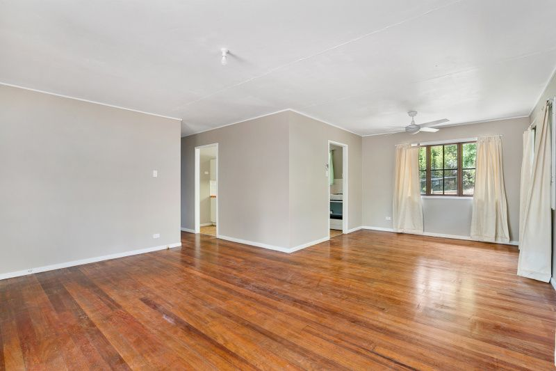21 Twilight Street, Kenmore QLD 4069, Image 2