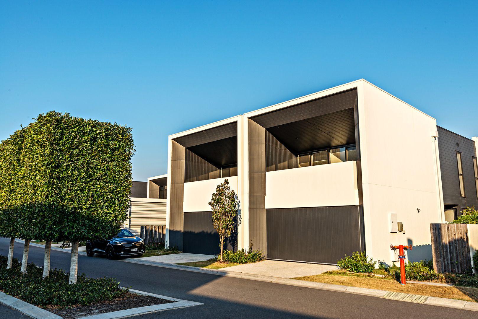 17 Theatre Drive, Benowa QLD 4217, Image 2
