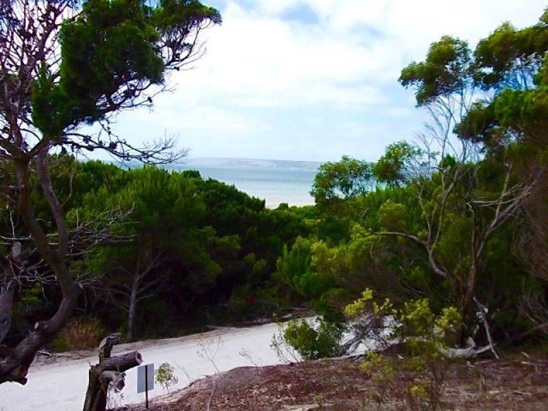 105 De Couedie Dr, Island Beach SA 5222, Image 0