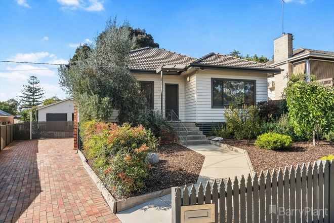 Picture of 6 Leigh Avenue, KENNINGTON VIC 3550