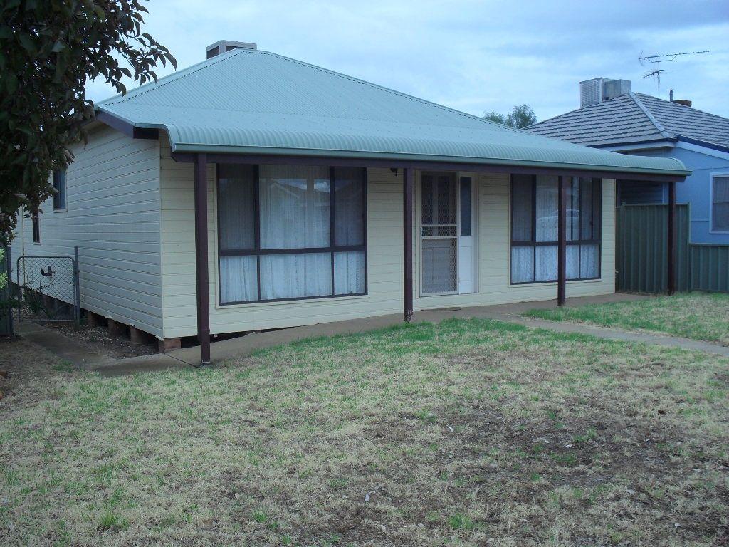 3 Oak St, Leeton NSW 2705, Image 0