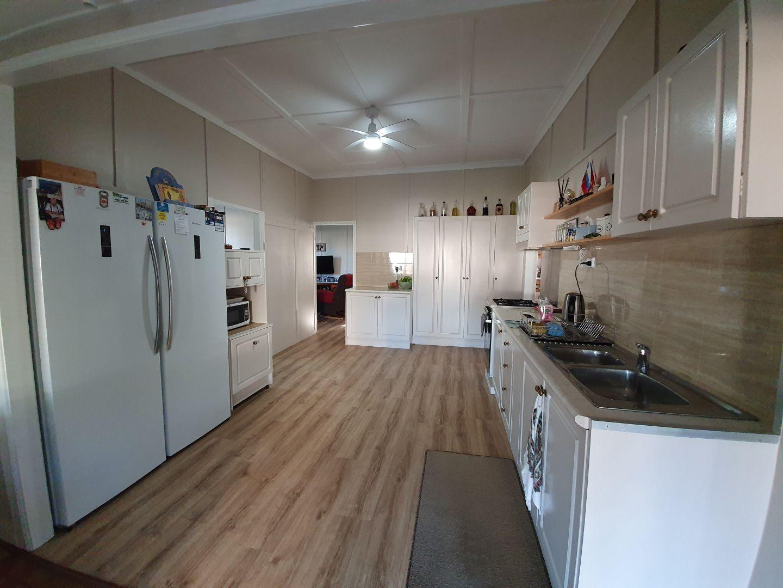 3 CHESTERLE  STREET, Blackbutt QLD 4314, Image 2
