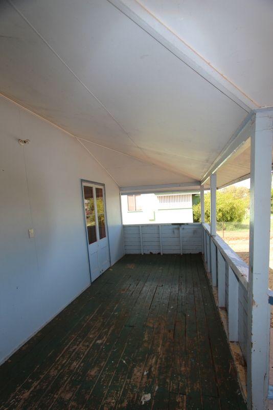 2/157 Parry Street, Charleville QLD 4470, Image 2