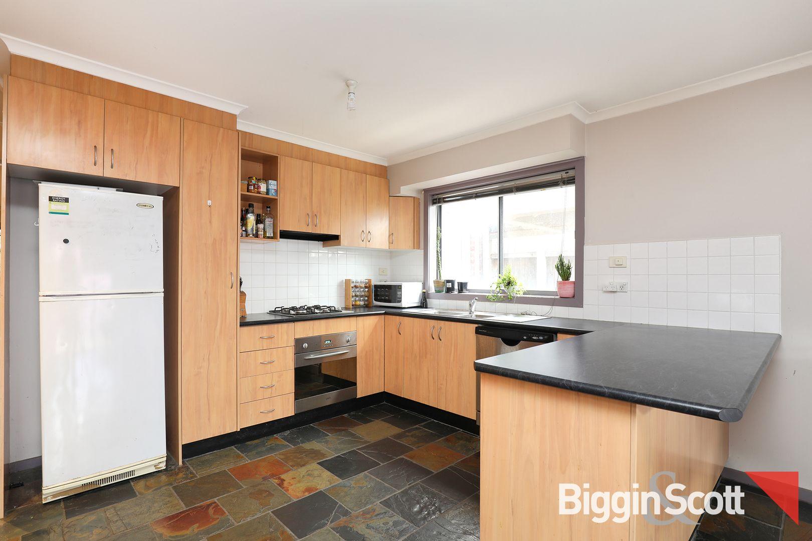 1/170 Rupert  Street, West Footscray VIC 3012, Image 2