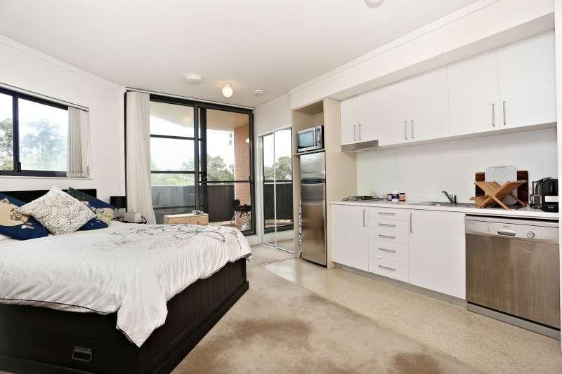 E402/140 Carillon Avenue, Newtown NSW 2042, Image 2