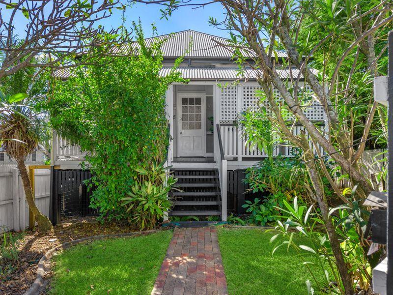 16 Dansie Street, Greenslopes QLD 4120, Image 0