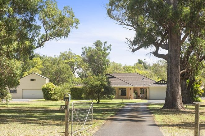 Picture of 39 Tall Tree Crescent, REINSCOURT WA 6280