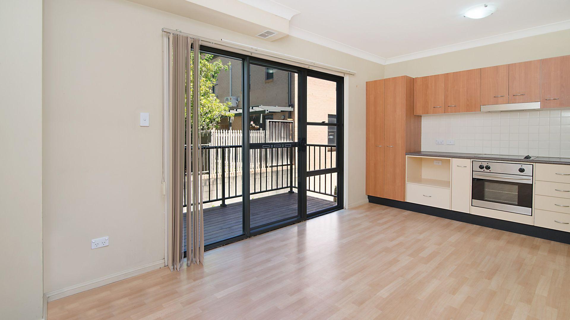 3/61 Beane Street, Gosford NSW 2250, Image 2