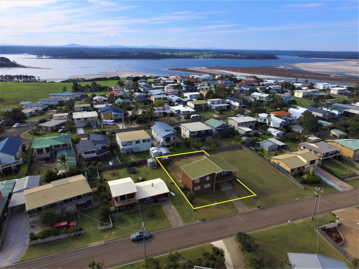 11 Skidale Close, Lake Tyers Beach VIC 3909, Image 1