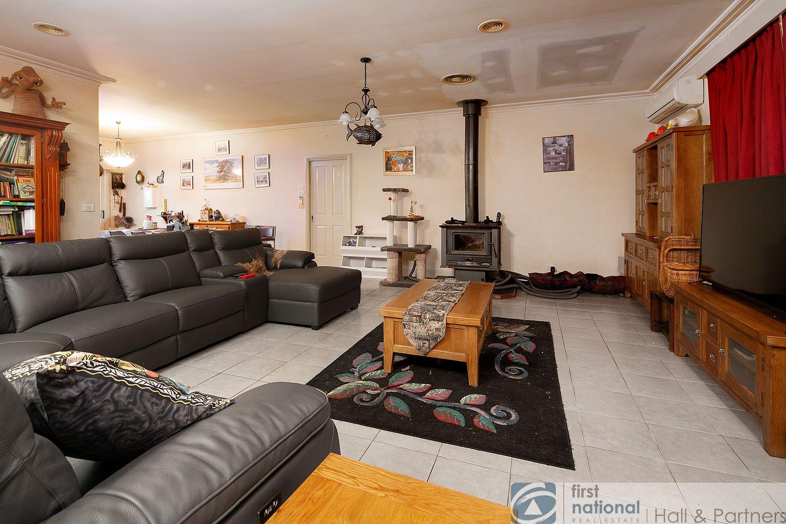 124 Murray Road, Cora Lynn VIC 3814, Image 2