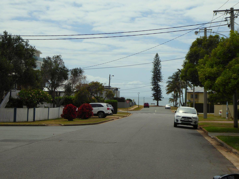 Unit 3/11 Osbourne St, Scarborough QLD 4020, Image 2