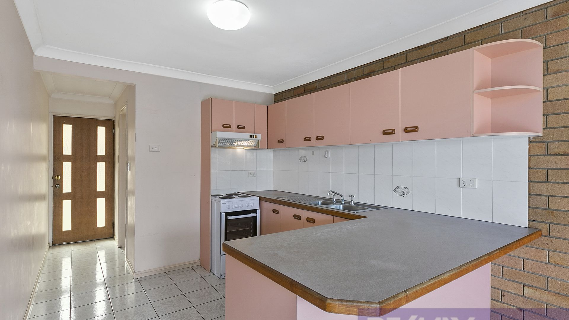 8/36 Dunellan Street, Greenslopes QLD 4120, Image 2
