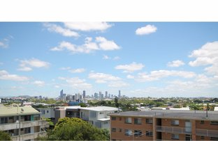 Picture of Coorparoo QLD 4151