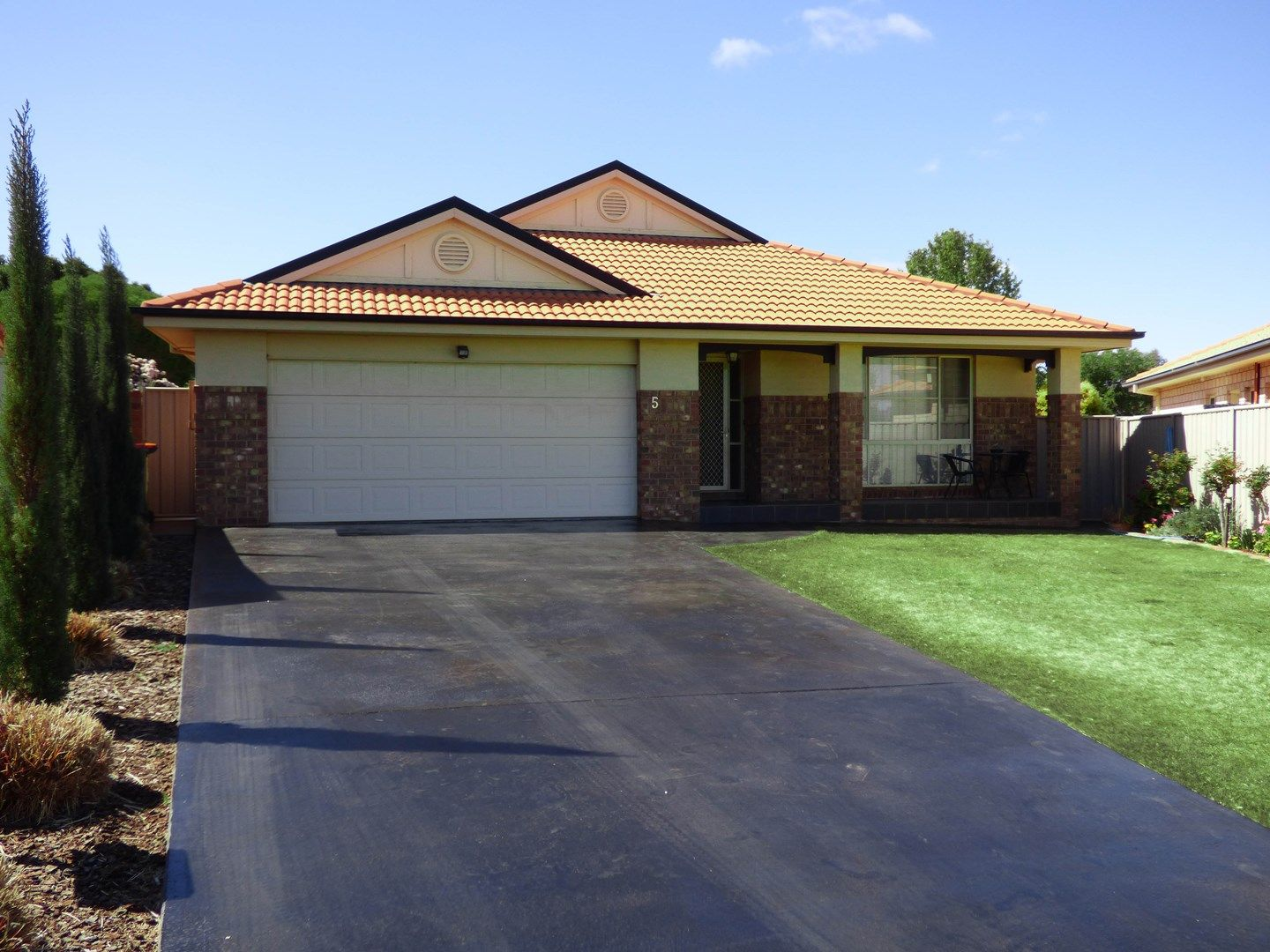 5 Theeuff Place, Griffith NSW 2680, Image 0