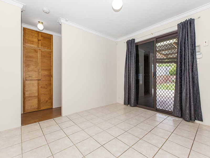 6 Glenbawn Drive, South Lake WA 6164, Image 2
