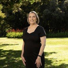 Bernadette Kasten, Sales Associate