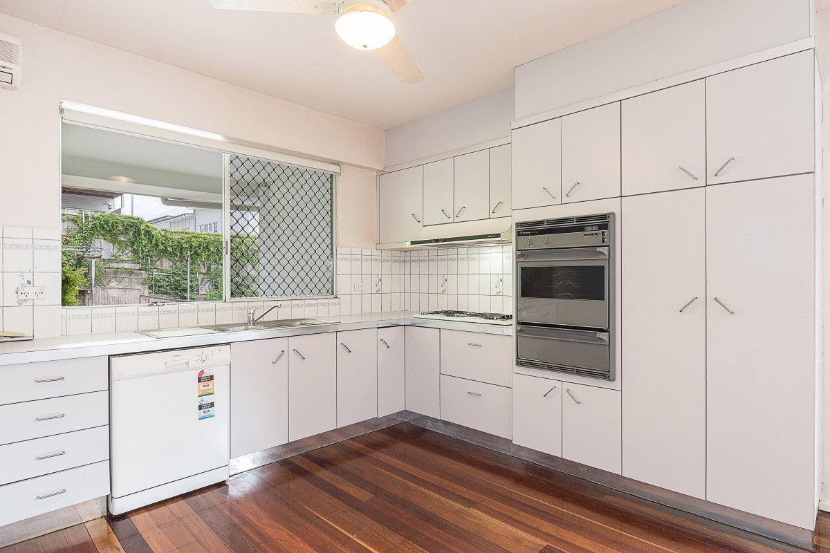 1/22 Laura Street, Highgate Hill QLD 4101, Image 2