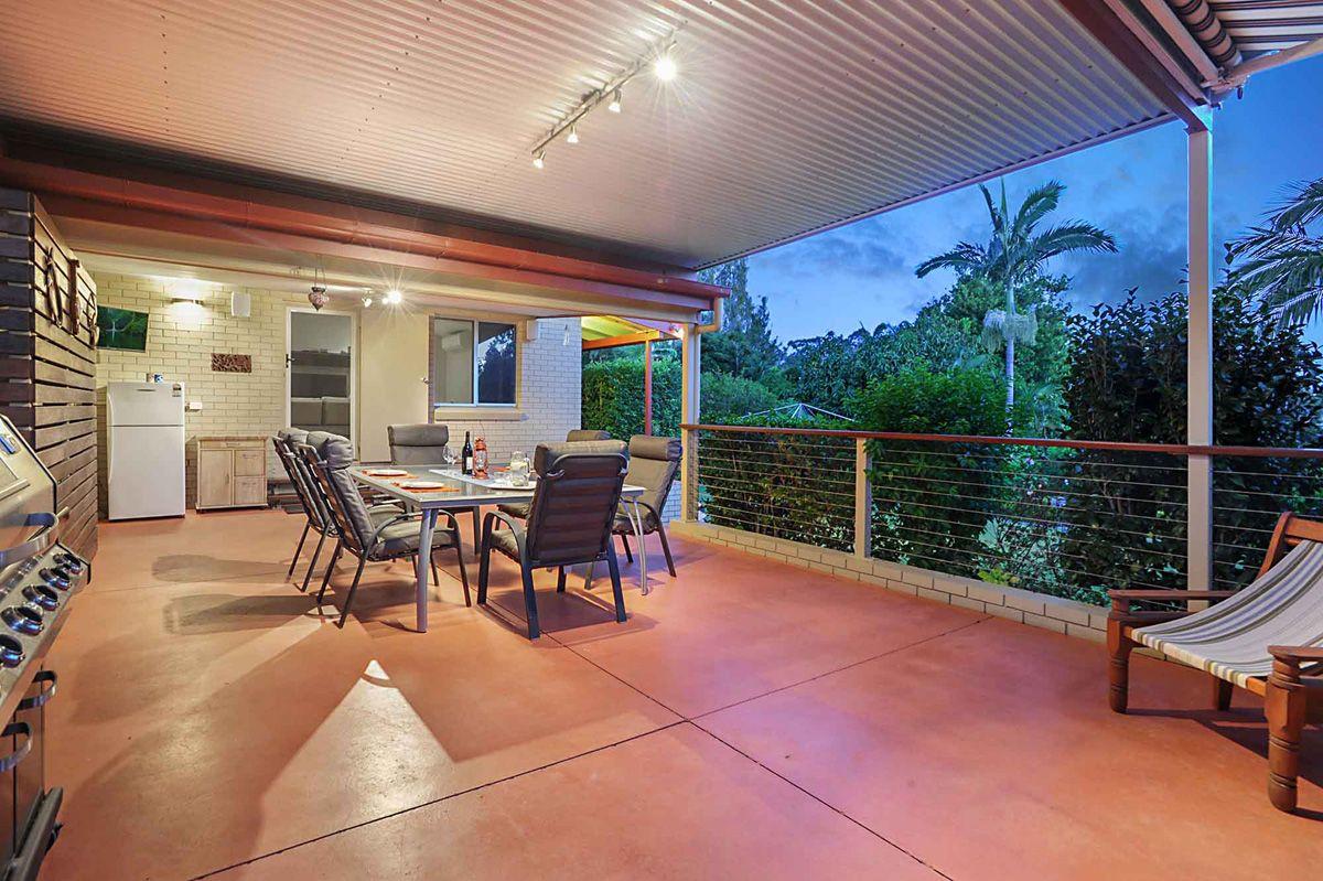 4 Eromba Cres, Ferny Hills QLD 4055, Image 2