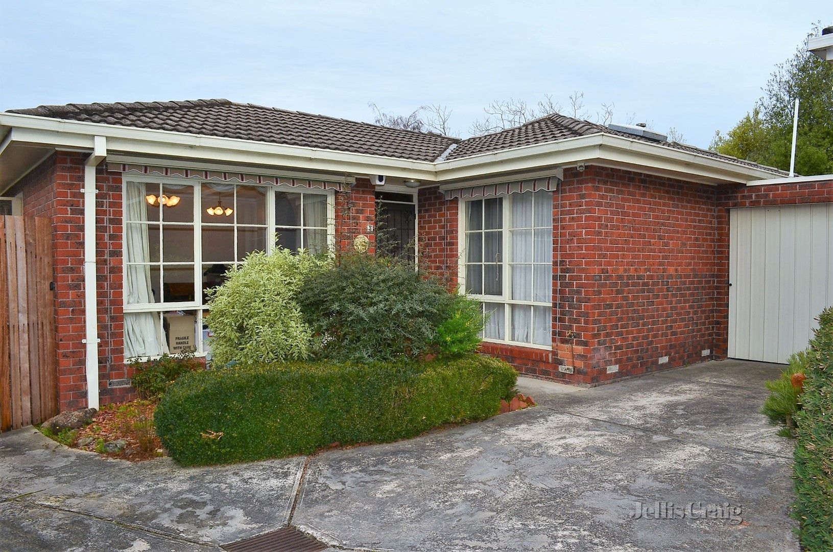 3/10 St James Avenue, Mont Albert VIC 3127, Image 0