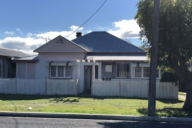 Picture of 2/121 Cornwall Street, TAREE NSW 2430