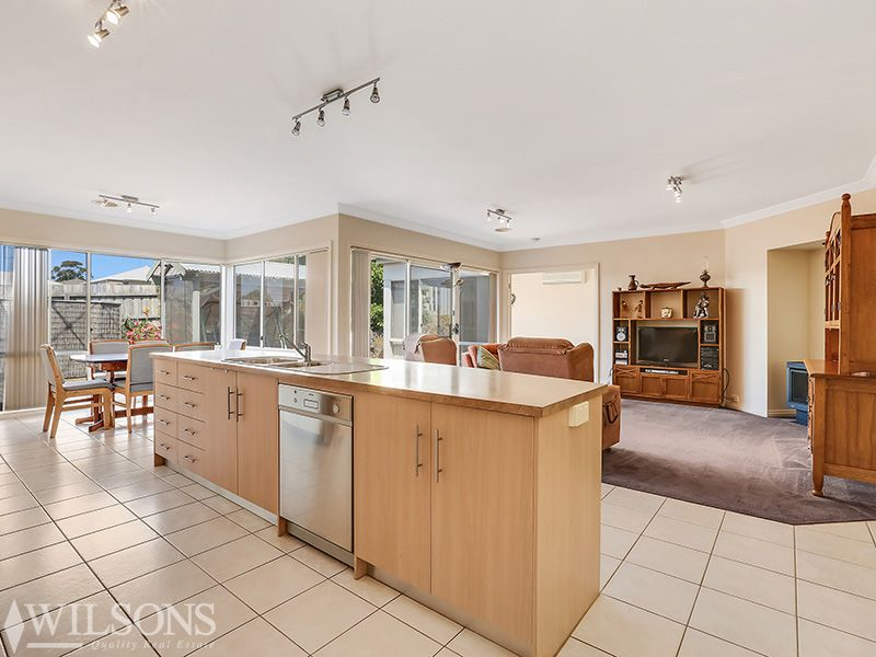 21 Manet Avenue, Grovedale VIC 3216, Image 2