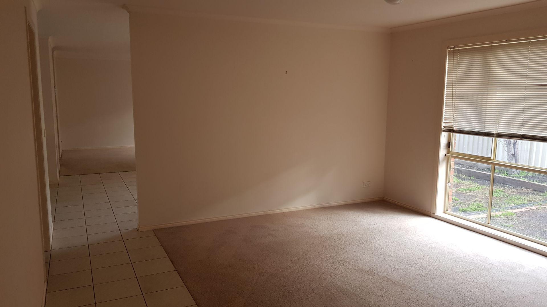 9 Avoca Place, Pakenham VIC 3810, Image 2