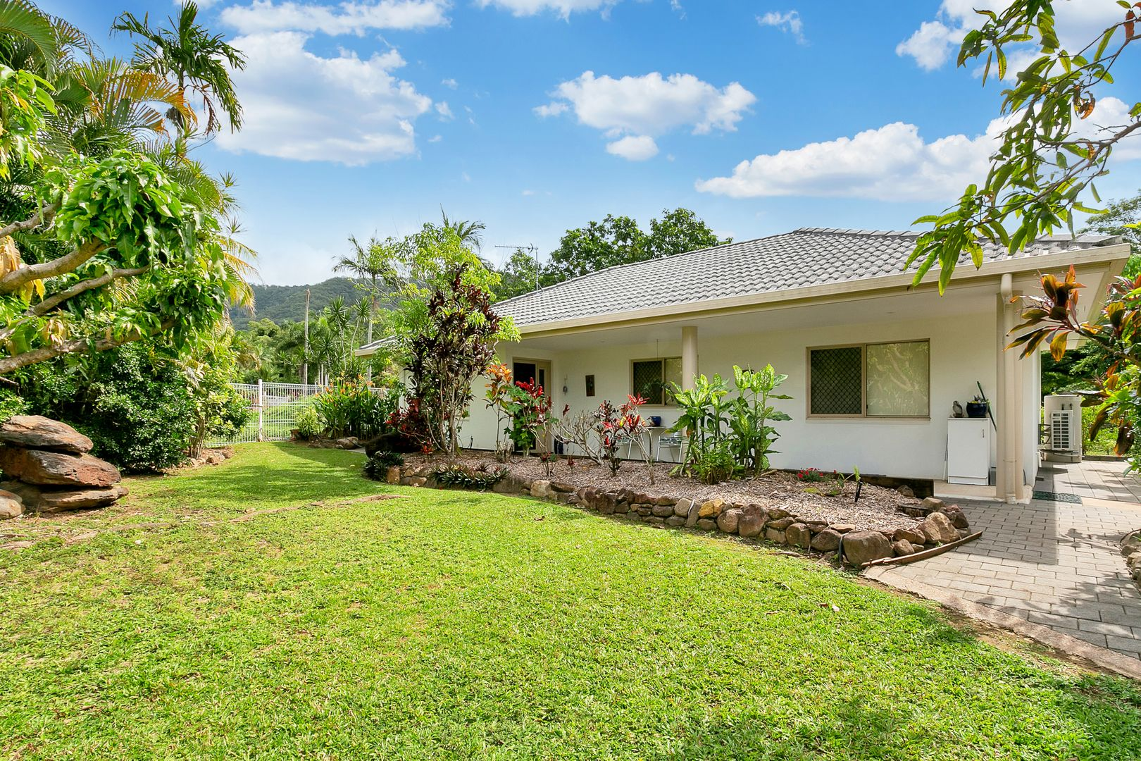 24 Parkinson Avenue, Kewarra Beach QLD 4879, Image 2
