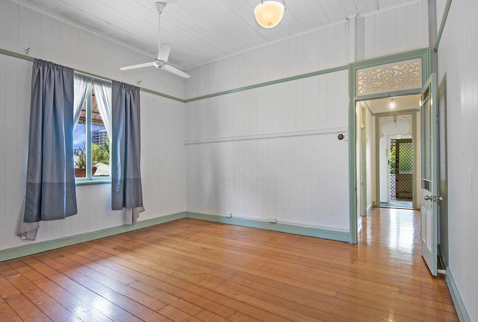 1/11 Leonard Street, Woolloongabba QLD 4102, Image 1