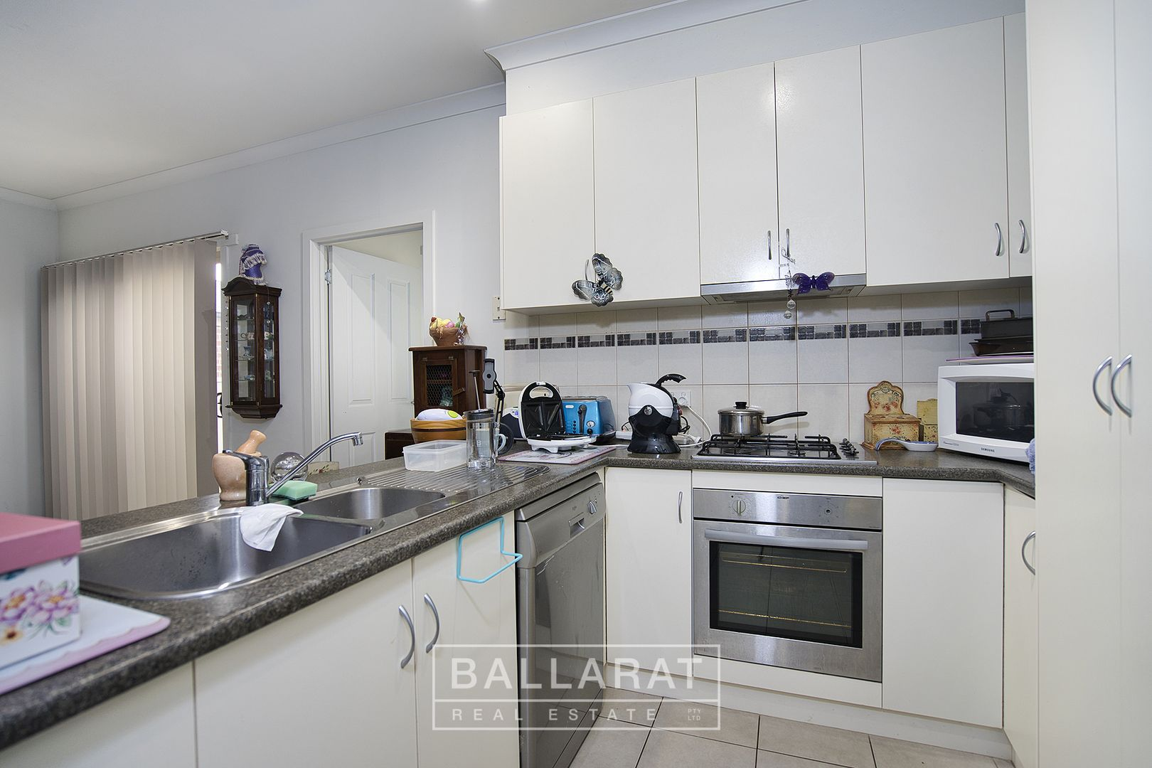 3/18 Gale Street, Canadian VIC 3350, Image 1