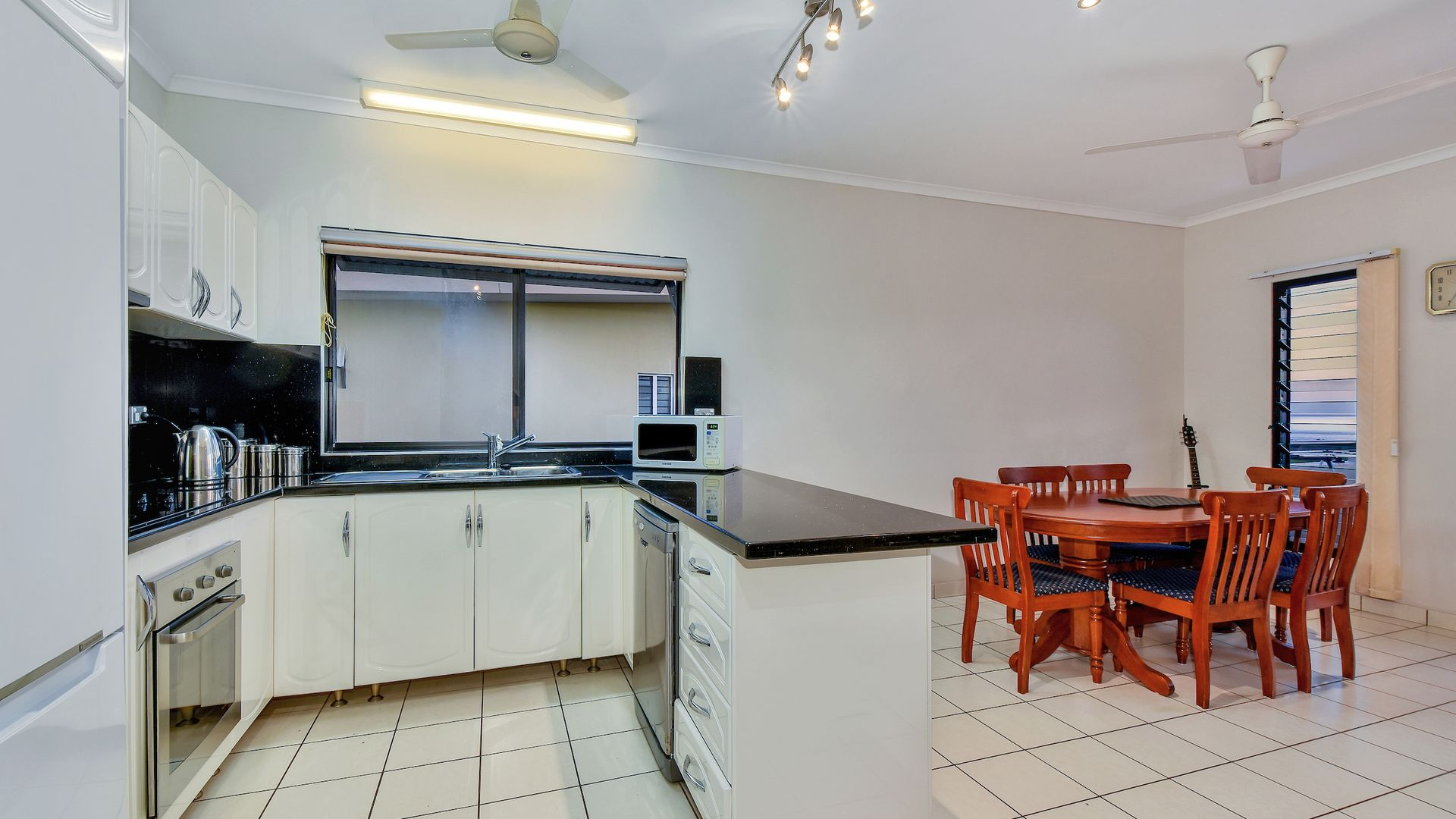 24/29 Sunset Drive, Coconut Grove NT 0810, Image 2