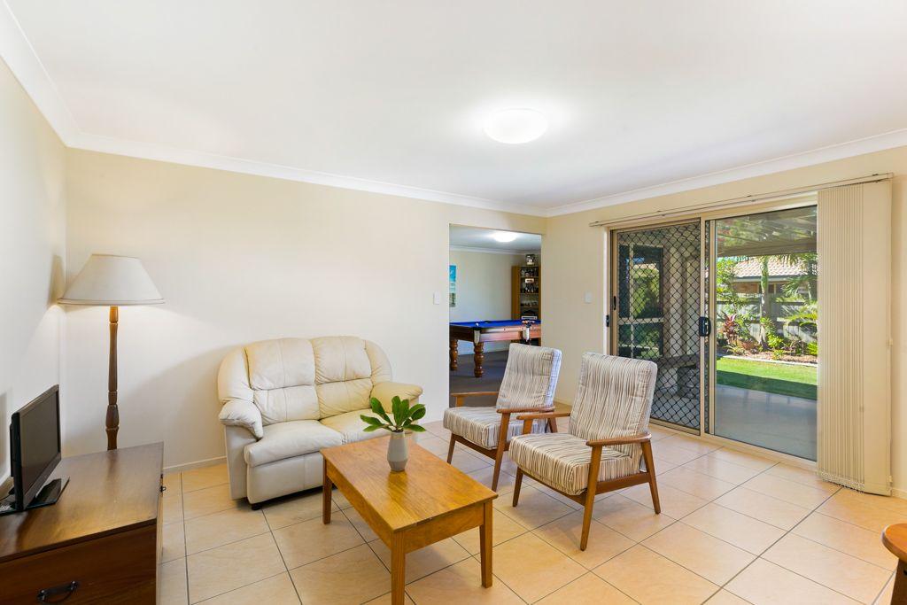 10 Anchor Place, Redland Bay QLD 4165, Image 2