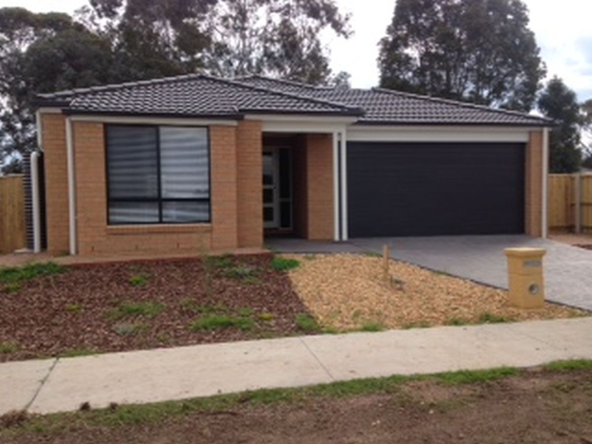 18 Eastcoast  Court, Bairnsdale VIC 3875, Image 0