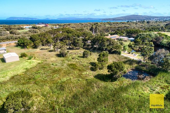 Picture of 239 Emu Point Drive, COLLINGWOOD PARK WA 6330