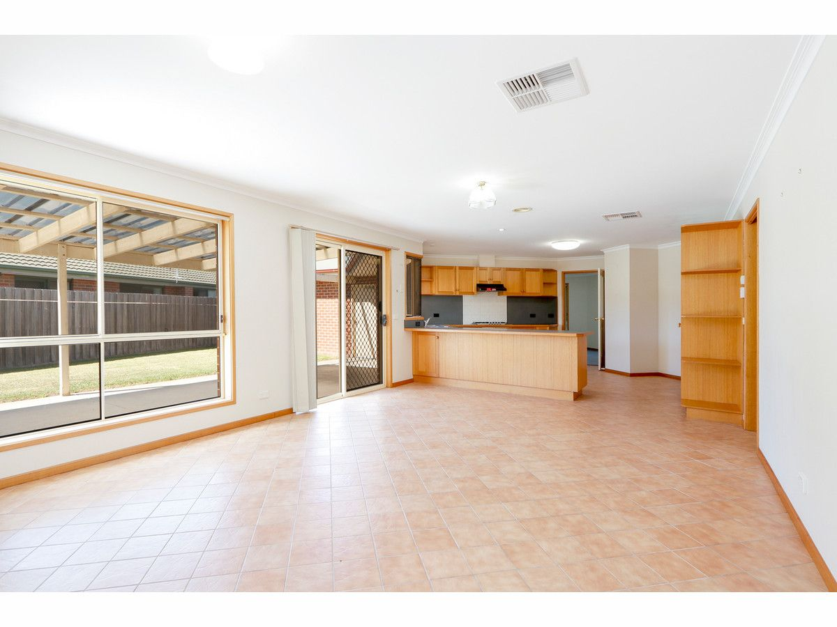5 Kingfisher Place, Sale VIC 3850, Image 2