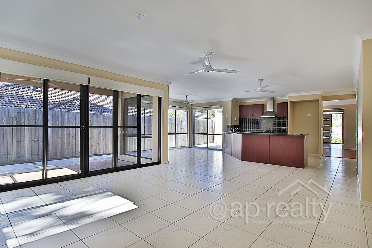 16 Parkside Place, Forest Lake QLD 4078, Image 1