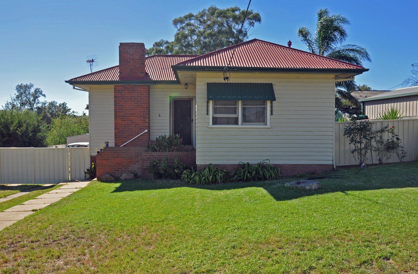 6 Robert Street, Junee NSW 2663, Image 0
