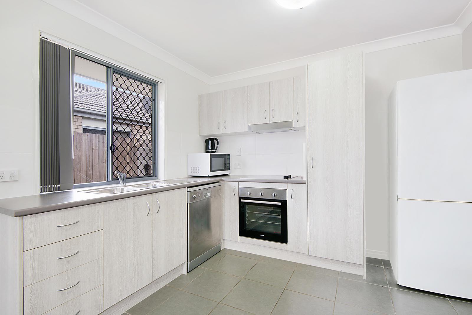 2/4 Bruce Baker Crescent, Crestmead QLD 4132, Image 2