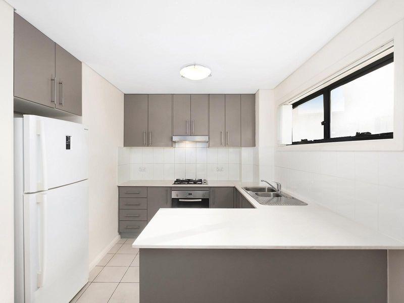 4/13 Howard Avenue, Northmead NSW 2152, Image 1