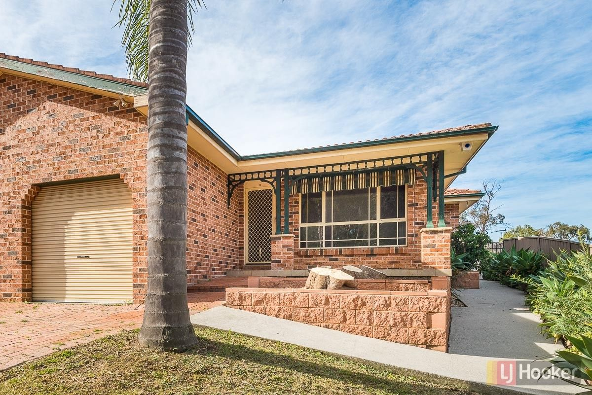 2/5 Nevil Way, Casula NSW 2170, Image 0