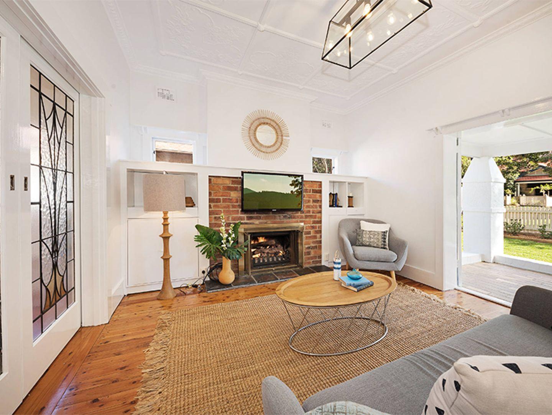 37 Woonona Road, Northbridge NSW 2063, Image 1
