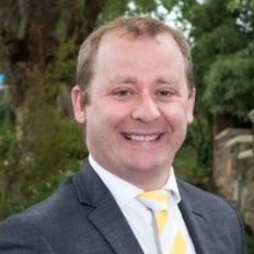 Adam Wakefield, Sales Person