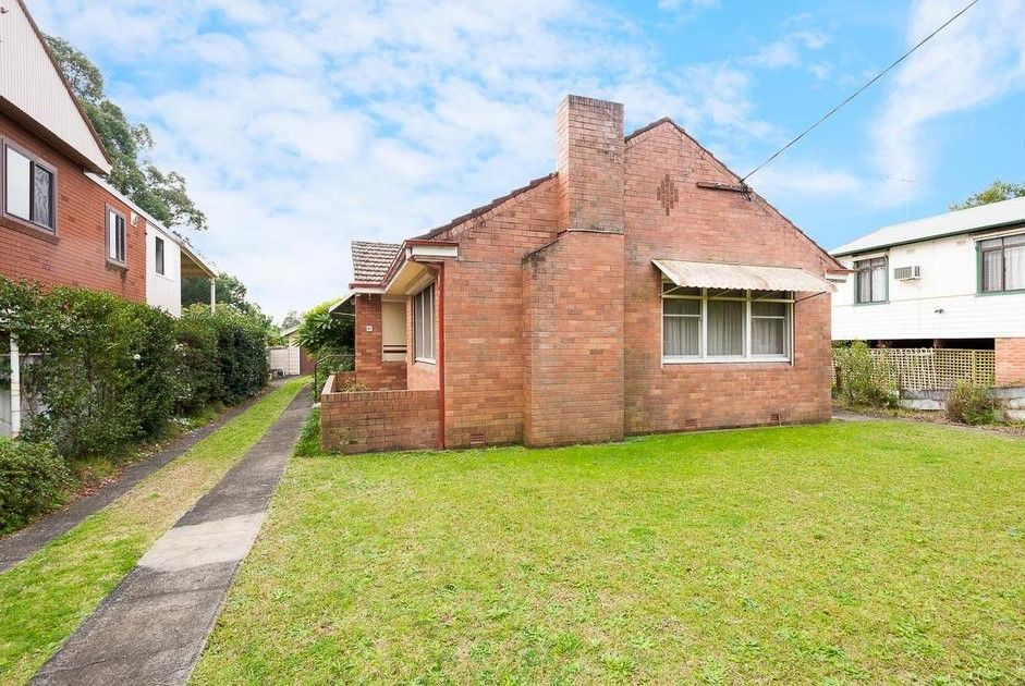 19 Riverview Road, Fairfield NSW 2165, Image 0