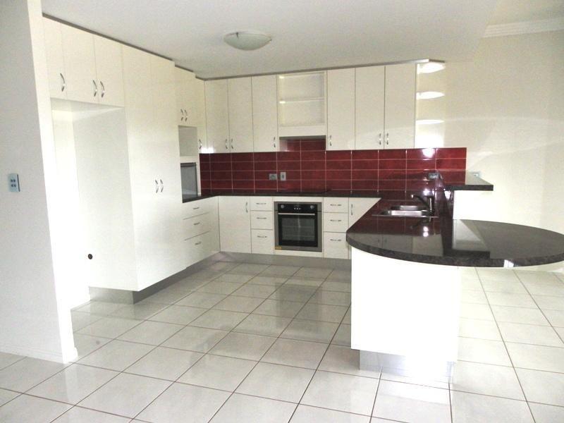 30 Berthun Street, Emerald QLD 4720, Image 0