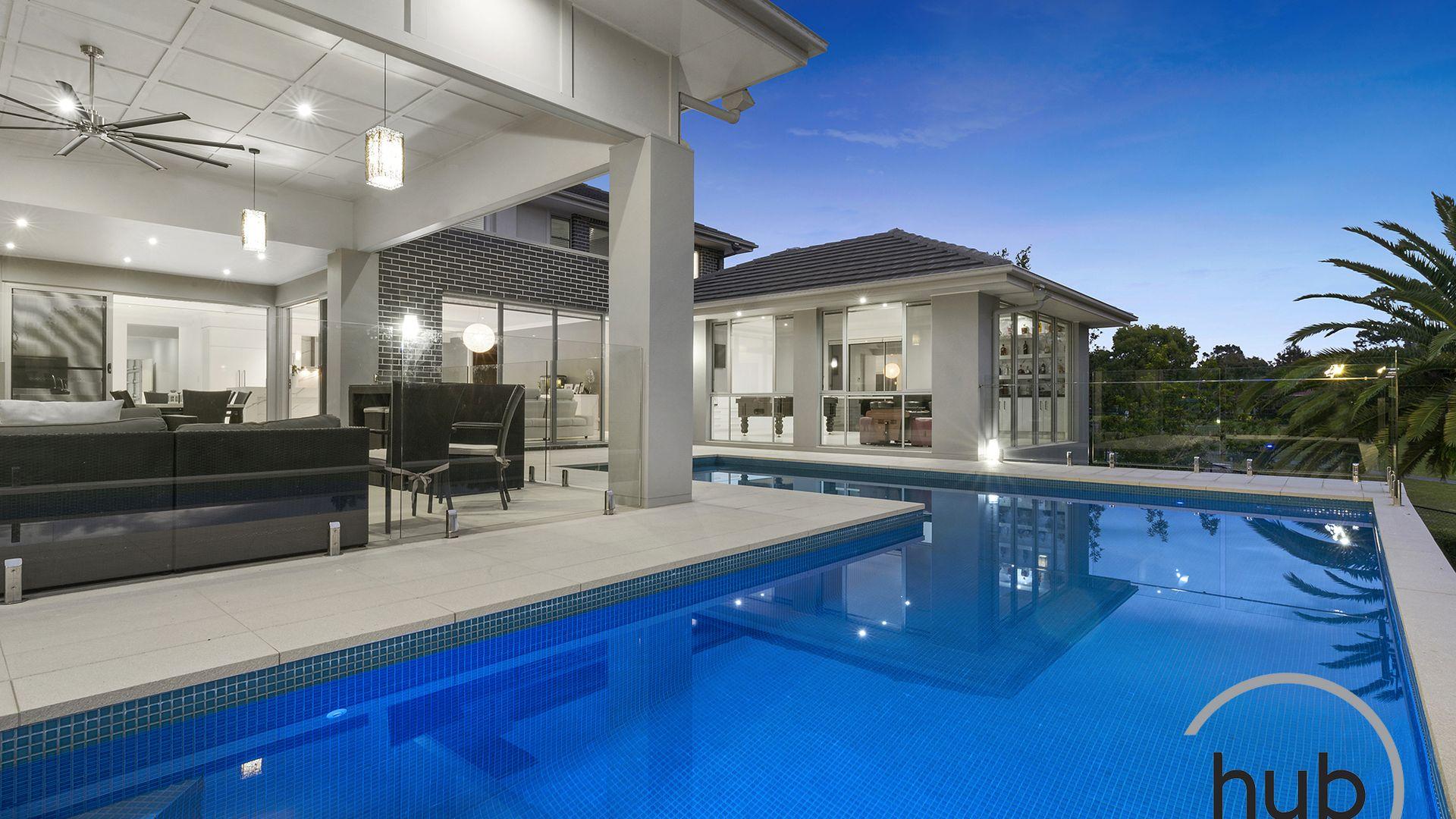 18 Pebble Beach Drive, Windaroo QLD 4207, Image 1