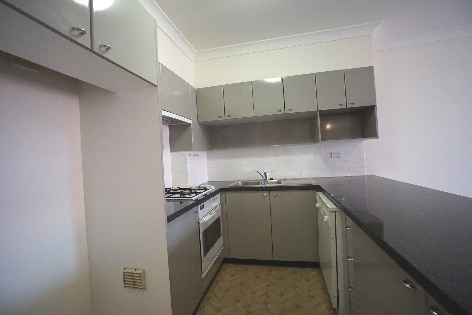 206/39 McLaren Street, North Sydney NSW 2060, Image 2