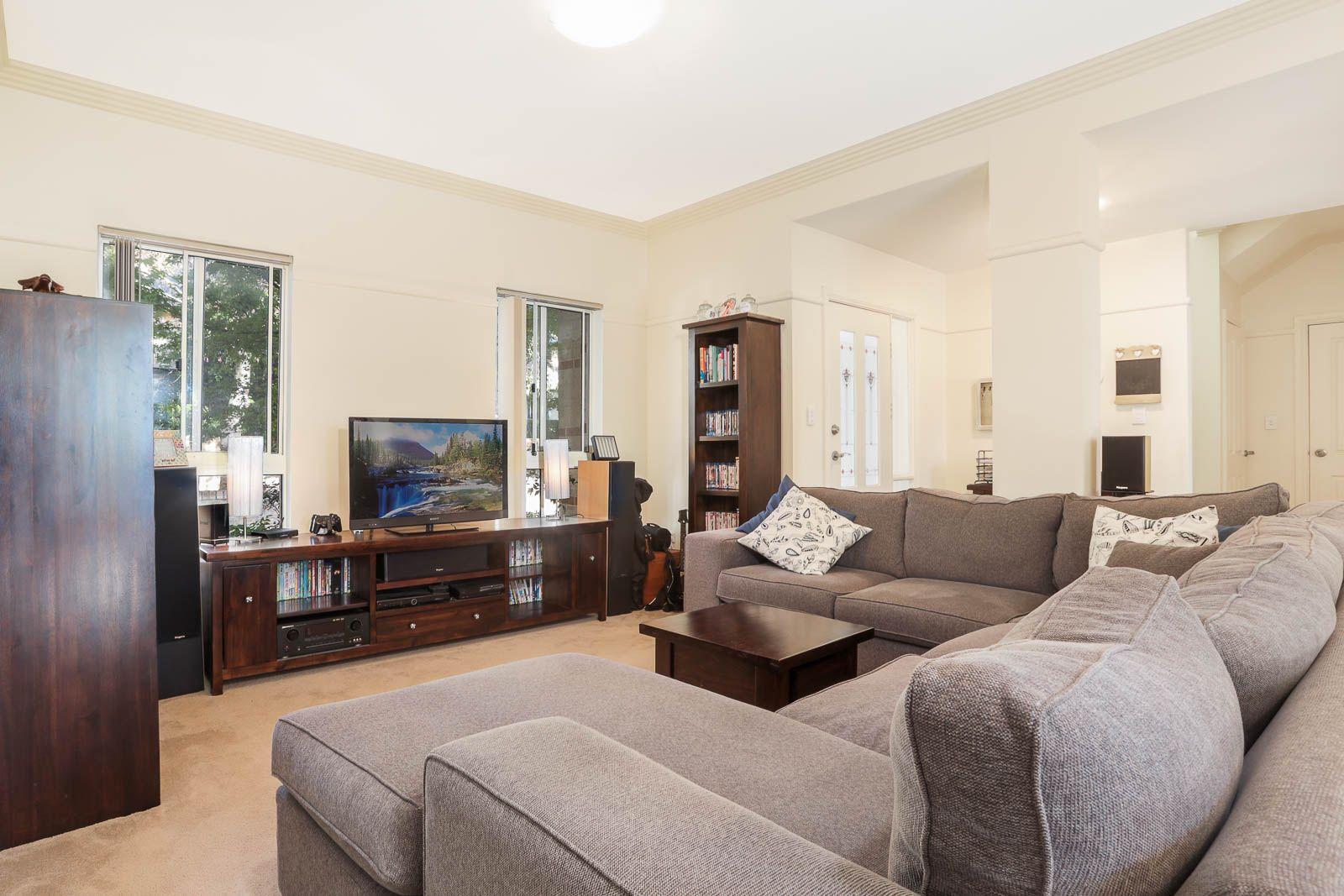 10/1 Kenneth Avenue, Baulkham Hills NSW 2153, Image 1