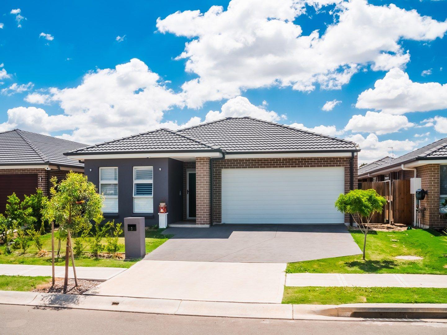 3 Sugarloaf Crescent, Colebee NSW 2761, Image 0